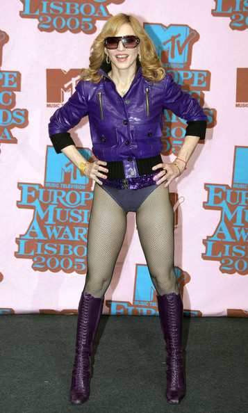 Wowing In Purple Leather At The 2005 MTV Europe Music Awards