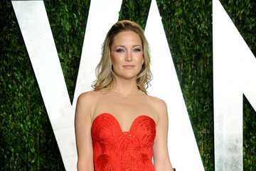 Kate Hudson Is on Fire in a Red 2012 Oscars Party Gown