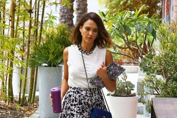 Get the Look: Jessica Alba's Sunny Style