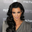 https://www1.pictures.livingly.com/fp/Kim+Kardashian+Presenting+Ultimate+Engagement+1a0ULZwvK0Rc.jpg