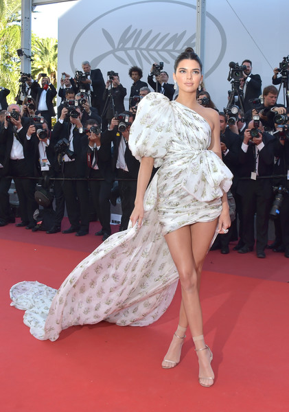 In Billowing Giambattista Valli At The 2017 Cannes Film Festival