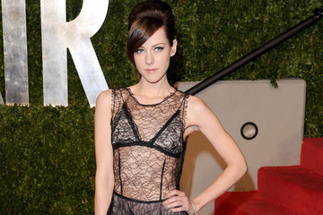 Jena Malone Is Sheer and Sassy at the Vanity Fair Oscars Party