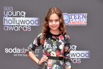 Bailee Madison Get Botanical-Chic at the Young Hollywood Awards