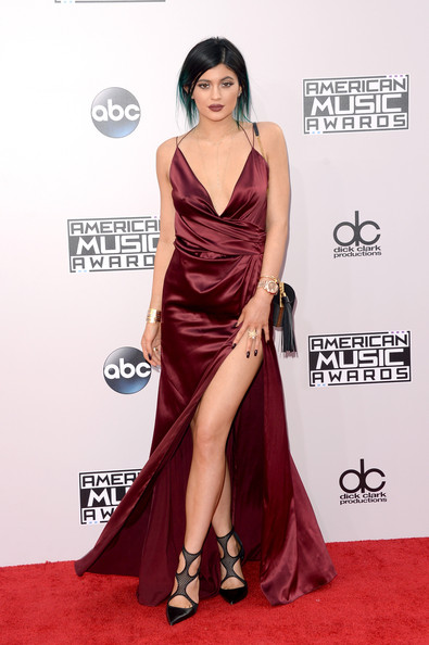Va-Va-Voom In Burgundy Alexandre Vauthier At The 2014 American Music Awards