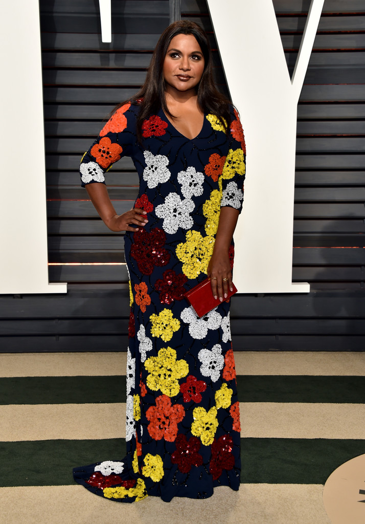 Mindy Kaling In Retro Flowers The Most Fabulous Dresses At The Oscar After Parties 2017 Livingly
