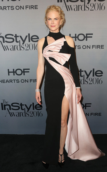 Nicole Kidman in Versace at the 2016 InStyle Awards