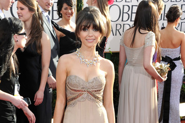 Sarah Hyland Shines in Max Azria Atelier at the Golden Globe Awards
