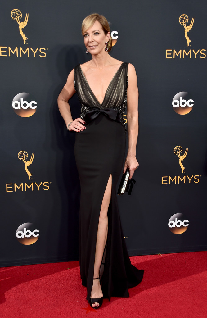 Allison Janney The Best Looks From The 2016 Emmy Awards