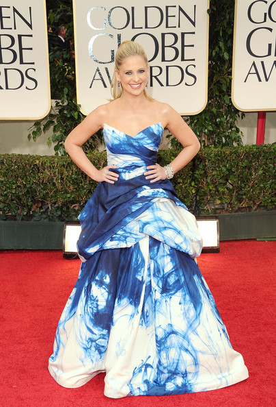 Sarah Michelle Gellar in Monique Lhuillier at the 2012 Golden Globes