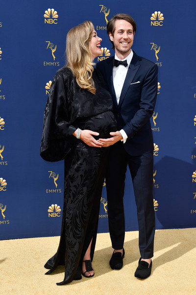 Yvonne Strahovski And Tim Loden The Cutest Couples At The Emmy Awards Livingly They revealed the news on the red carpet. yvonne strahovski and tim loden the