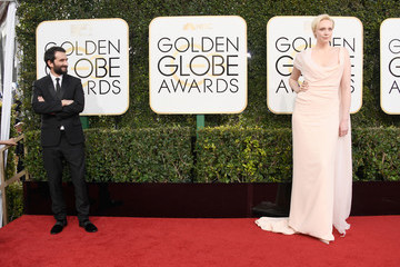 This Is Our Favorite Picture from the Golden Globes So Far