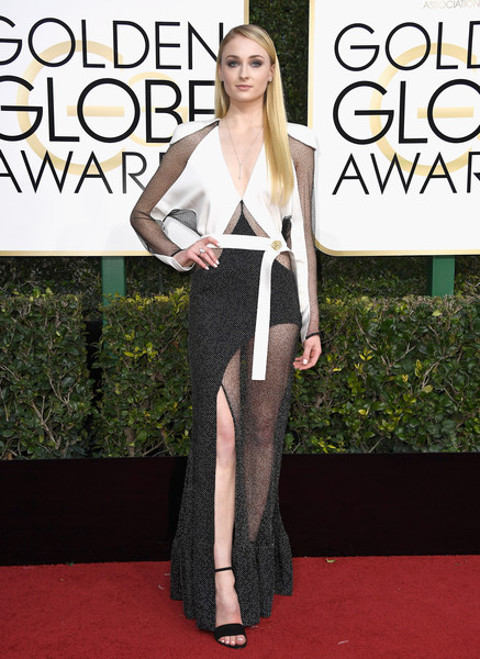 Sophie Turner in Louis Vuitton at the 2017 Golden Globes