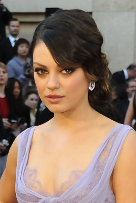 Mila Kunis Oscars Dress -- Pictures!