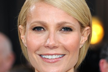 Gwyneth Paltrow's Rosy Lipgloss at the 2012 Oscars