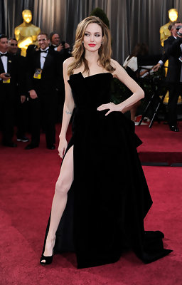 Hot or Not: Angelina Jolie's 2012 Oscars Pose