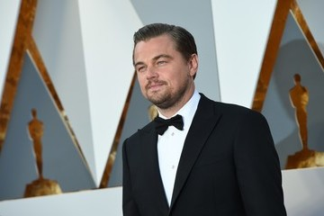 Leonardo Dicaprio Finally Takes Home the Oscar