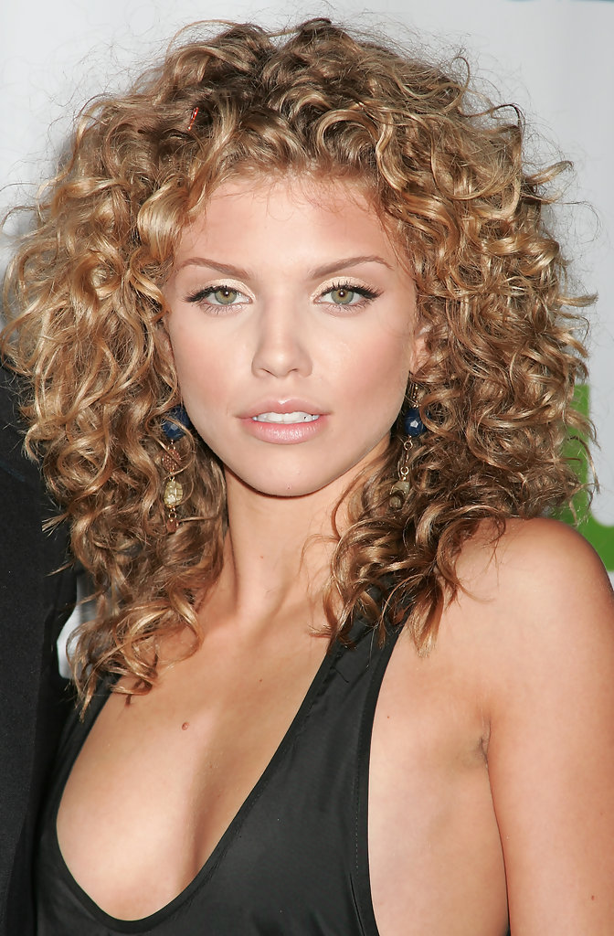 How to Tell What Type of Curly Hair You Have - Easy to Manage Curly Hairstyles - Livingly
