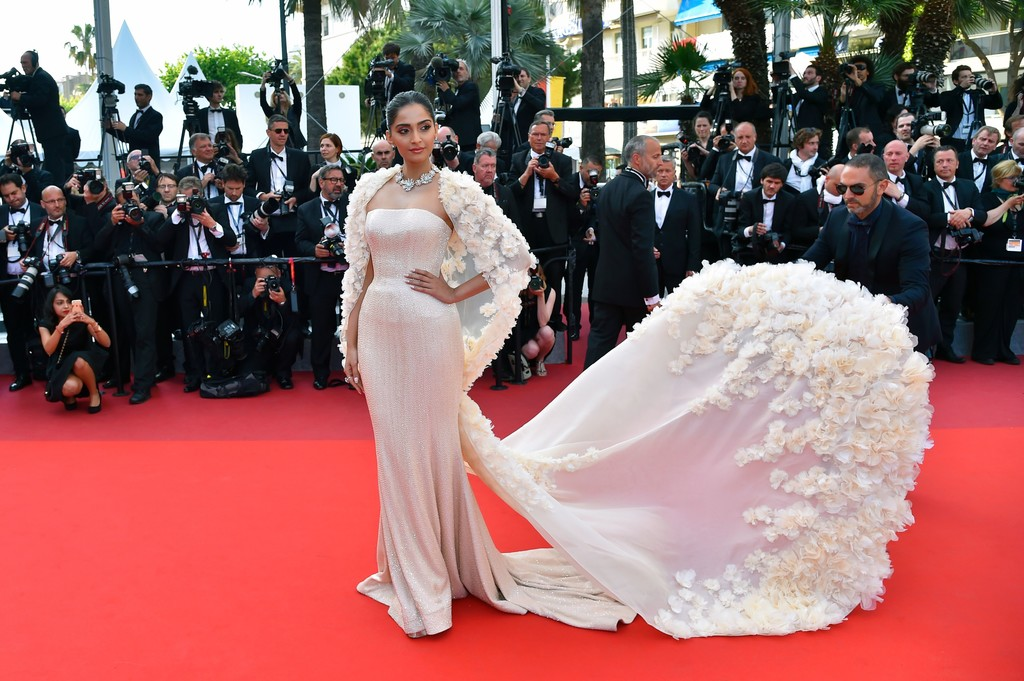 Wedding Fashion Inspiration From The Red Carpet The: Sonam Kapoor's Mermaid Gown And Appliqued Cape
