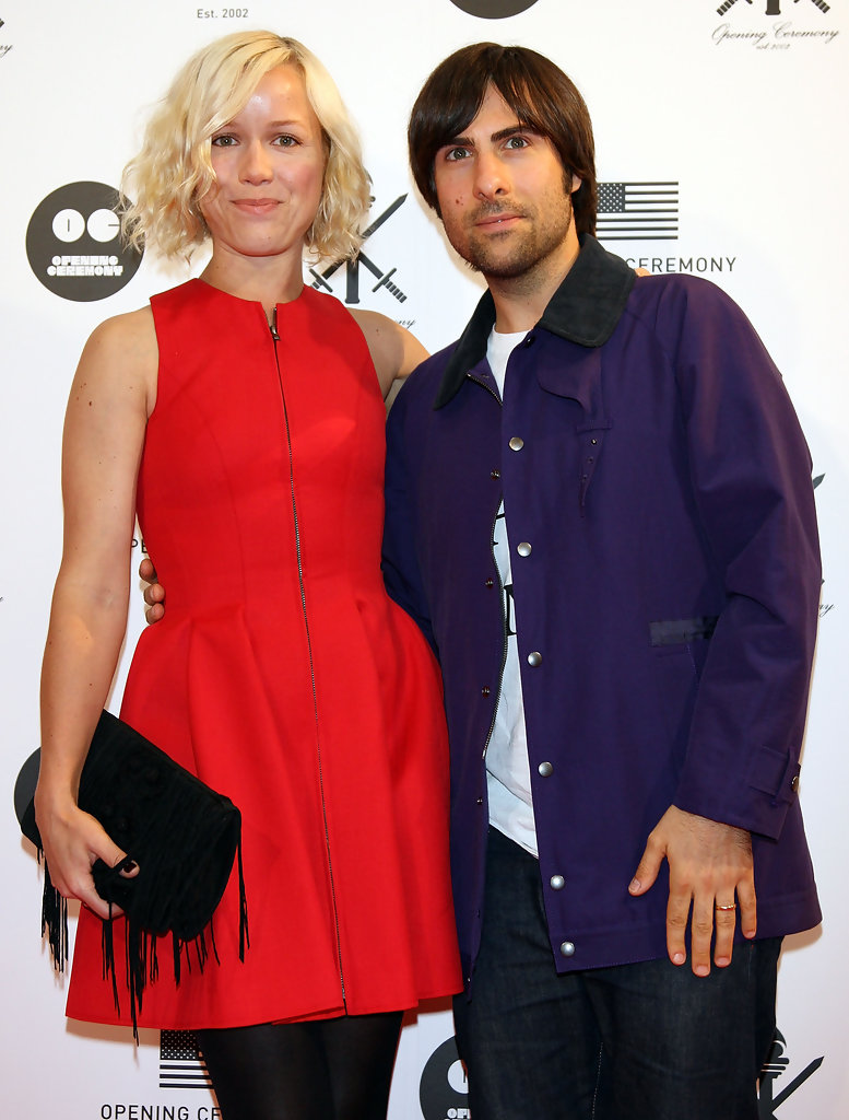 Jason Schwartzman Brady Cunningham 29 Celebs Who Didn T End Up With Other Celebs Livingly