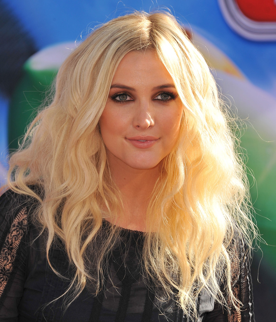 Ashlee Simpson - The Best Bleach Blonde Celebrities - Livingly