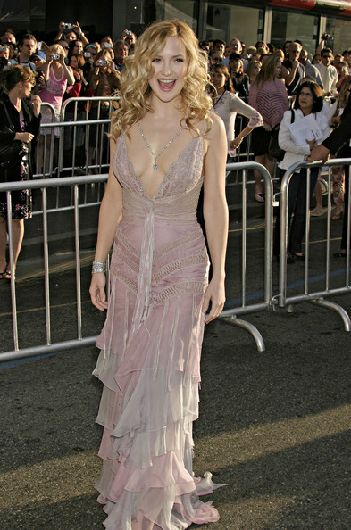 Kate Hudson In Lilac Ruffles At A Hollywood Premiere, 2004