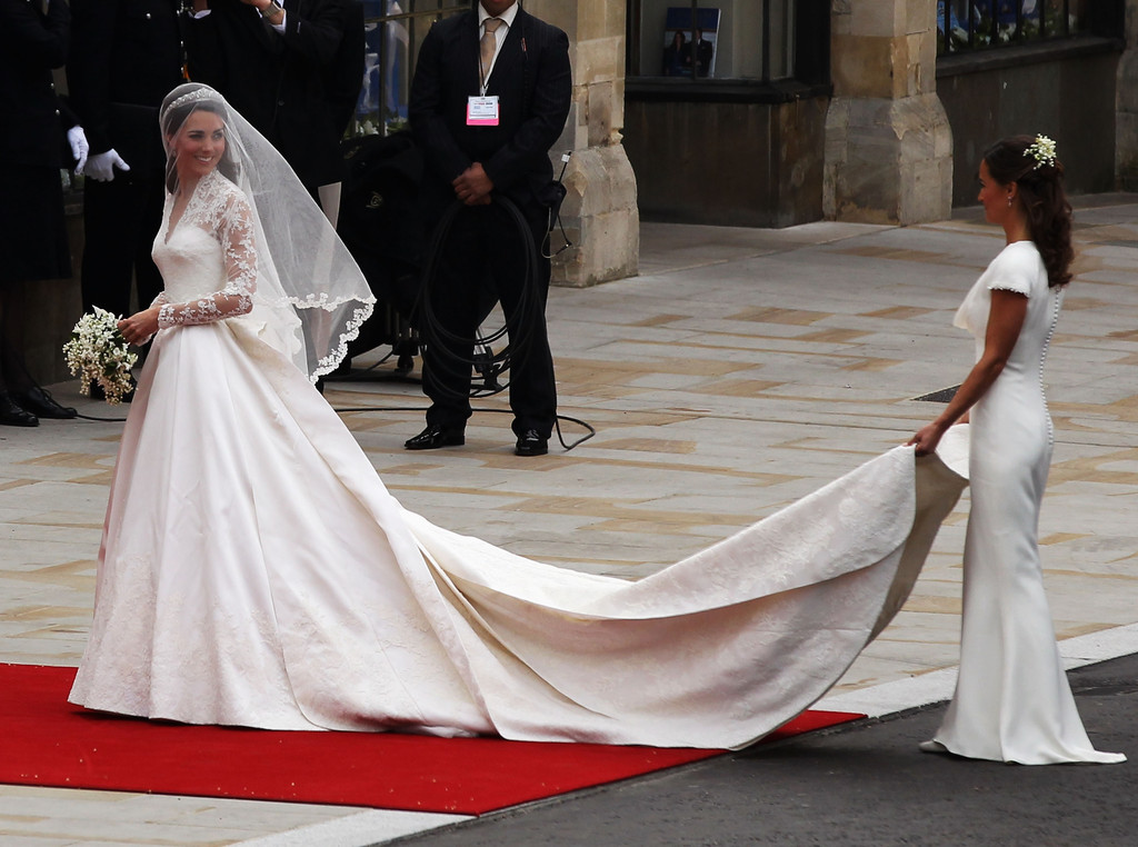 Princess catherine weds in sarah burton for alexander mcqueen kate princess catherine weds in sarah burton for alexander mcqueen kate middleton wedding dress livingly junglespirit Images