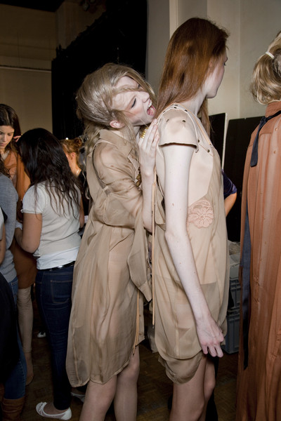 A.F. Vandevorst at Paris Spring 2010 (Backstage)