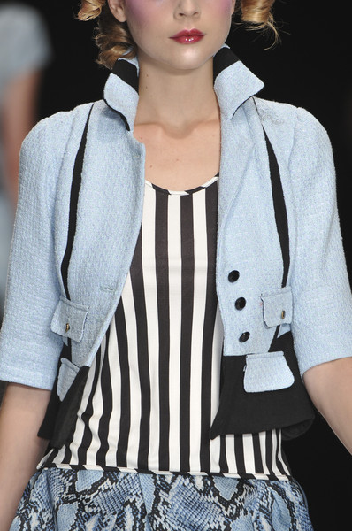 Aggugini at London Spring 2010 (Details)