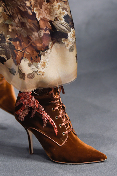 Alberta Ferretti at Milan Fall 2016 (Details) [footwear,brown,shoe,fashion,high heels,boot,tan,leg,joint,close-up,shoe,shoe,footwear,alberta ferretti,boot,fashion,leg,joint,balenciaga,milan fashion week,shoe,fashion,gucci,high-heeled shoe,boot,balenciaga,autumn,winter]