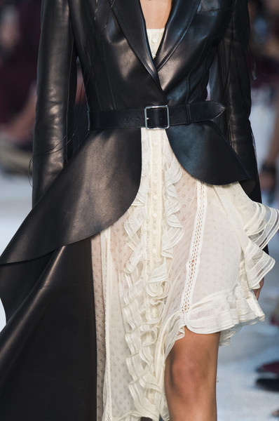 Alexander McQueen at Paris Spring 2019 (Details) [fashion model,fashion,clothing,haute couture,leather,runway,dress,fashion show,outerwear,leather jacket,alexander mcqueen,runway,fashion,haute couture,clothing,fashion week,fashion design,leather,paris fashion week,fashion show,runway,paris fashion week,fashion show,fashion week,fashion,fashion design,alexander mcqueen,haute couture,clothing]