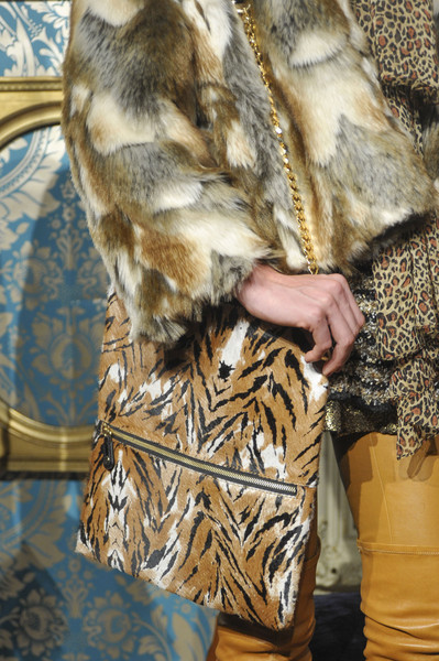 Alice + Olivia at New York Fall 2013 (Details) [fur,fur clothing,clothing,outerwear,textile,coat,beige,natural material,jacket,fawn,outerwear,fur,textile,fur clothing,clothing,beige,material,jacket,new york fashion week,alice olivia,fur,textile]