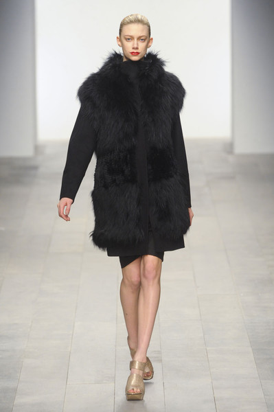 Amanda Wakeley at London Fall 2011