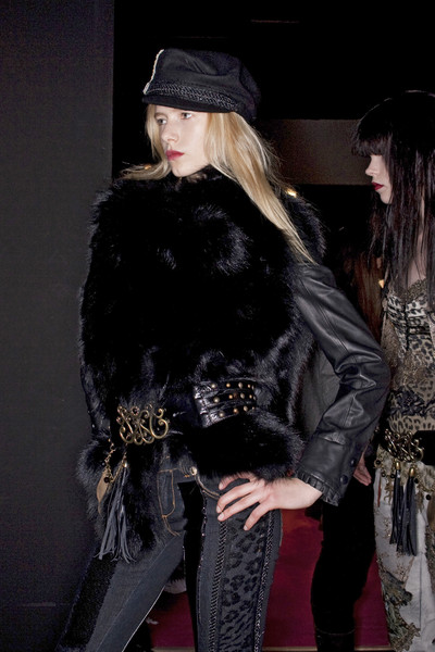 Angelo Marani at Milan Fall 2009 (Backstage)
