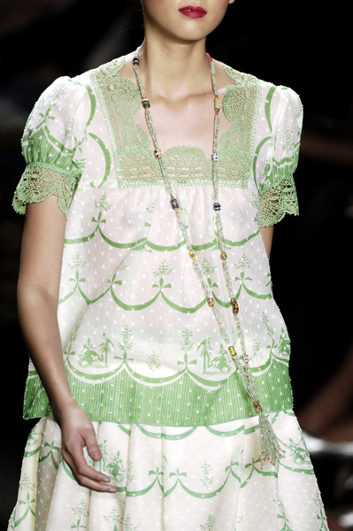 Anna Sui at New York Spring 2006 (Details)
