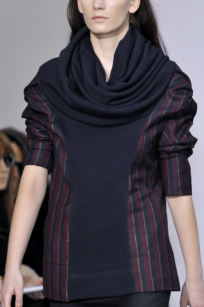 Anne Valérie Hash at Paris Fall 2010 (Details)
