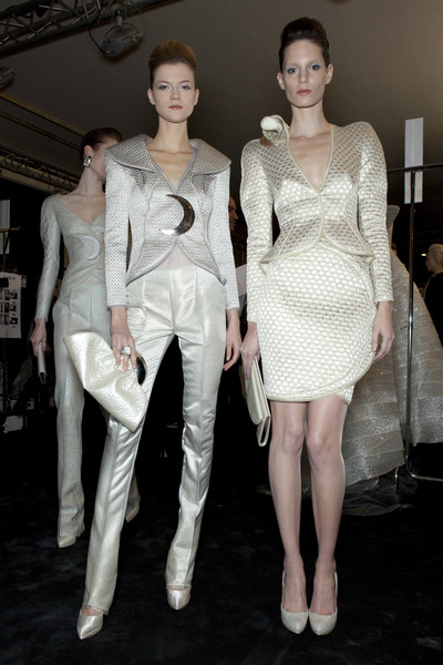 Armani Privé at Couture Spring 2010 (Backstage)