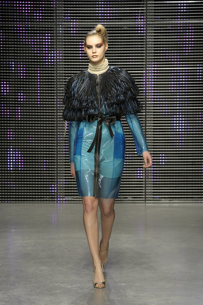 Ashley Isham at London Fall 2010