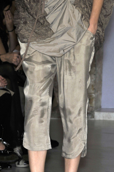 Atsuro Tayama at Paris Spring 2010 (Details)