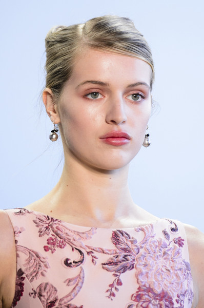 Badgley Mischka at New York Fall 2018 (Details)