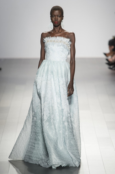 Badgley Mischka at New York Spring 2018 [fashion model,clothing,gown,dress,wedding dress,fashion show,fashion,shoulder,haute couture,bridal party dress,dress,gown,cocktail dress,party dress,evening gown,wedding dress,fashion,haute couture,runway,new york fashion week,wedding dress,haute couture,fashion,evening gown,cocktail dress,gown,dress,runway,party dress]