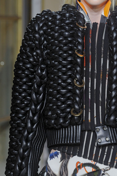 Balenciaga at Paris Fall 2011 (Details)