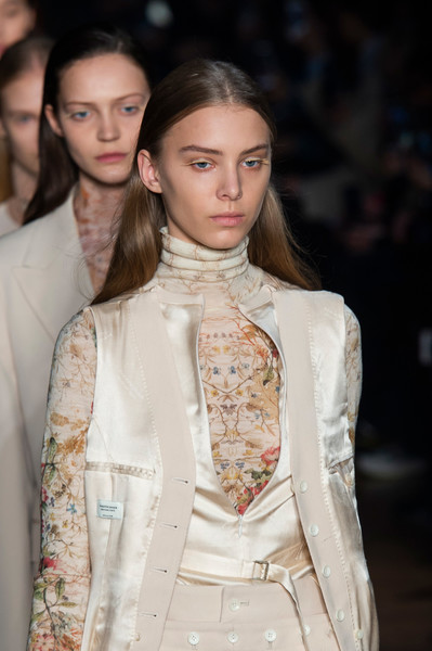 Beautiful People Clp Bis at Paris Fall 2019 (Details)