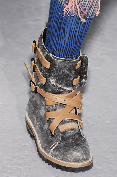 Bernhard Willhelm at Paris Fall 2009 (Details)