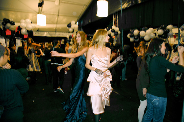 Betsey Johnson at New York Fall 2007 (Backstage)