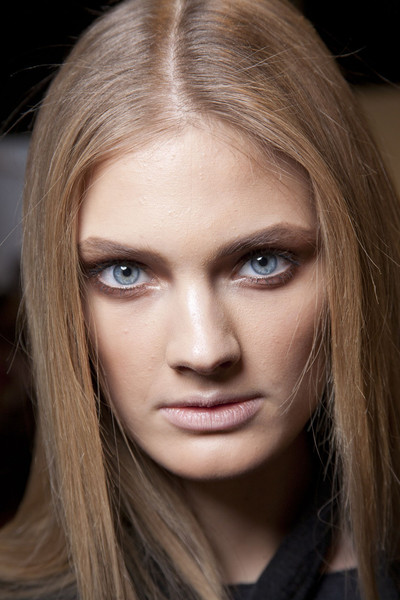 Blumarine at Milan Fall 2011 (Backstage)