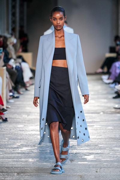 Boss at Milan Spring 2021 [fashion,fashion model,fashion show,runway,white,clothing,street fashion,outerwear,shoulder,coat,fashion,fashion week,runway,street fashion,runway,milan,boss,milan fashion week,fashion show,paris fashion week,milan fashion week 2019,paris fashion week,fashion week,fashion show,fashion,milan,runway,ready-to-wear,hugo boss]