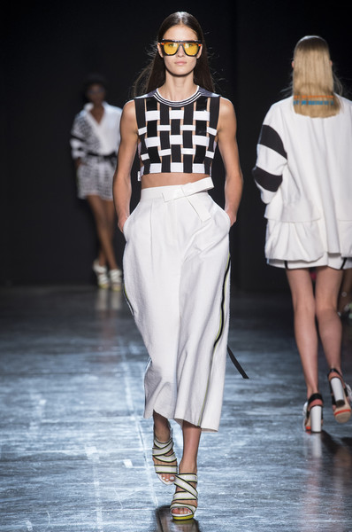 pretty nice b8e8a b330a Byblos Milano Spring 2018 Runway Pictures - Livingly