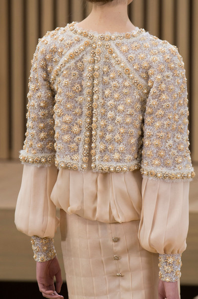 Chanel spring 2016 runway pictures livingly for Haute couture details