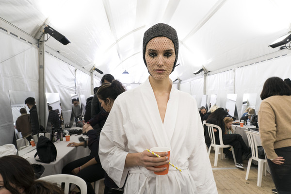 Christian Dior Bks Bis at Couture Spring 2019 (Backstage)