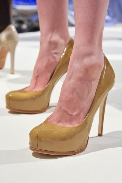 Dennis Basso at New York Spring 2013 (Details)